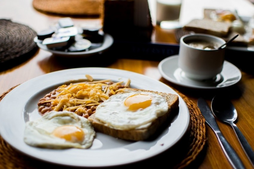 hogyan lehet megszüntetni a reggeli leheletet)