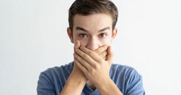 rossz szag és íz a szájból)