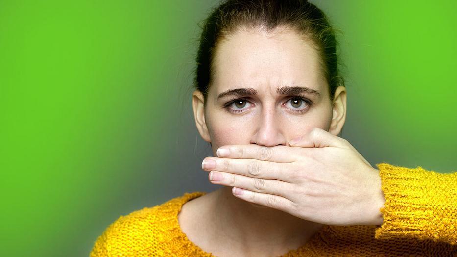 száj szaga élesztővel egy felnőttnél