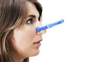 kesernyés- savanyú szag a szájból
