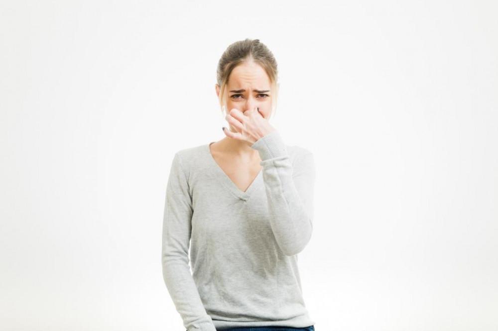 Hirtelen szag érződik a szájból